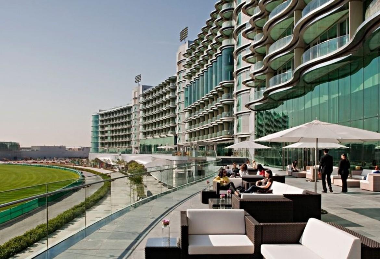 006403-07-outdoor-terrace-daytime